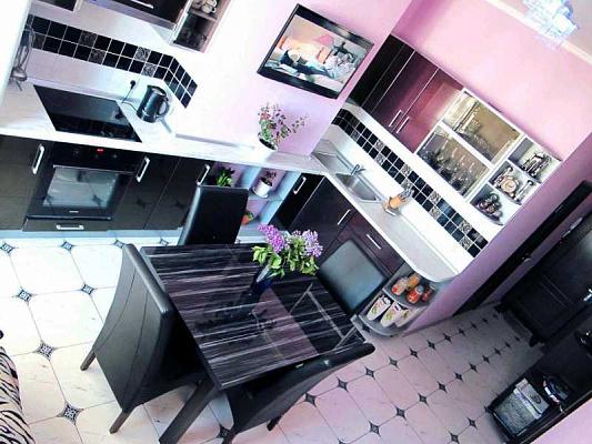 2-комнатная квартира посуточно в Одессе. Приморский район, Пантелеймоновская , 112. Фото 1