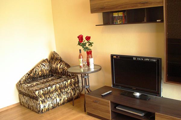 1-комнатная квартира посуточно в Севастополе. Гагаринский район, ул. Челнокова, 12\5. Фото 1