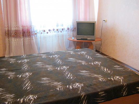 1-комнатная квартира посуточно в Симферополе. Киевский район, ул. Киевская, 163. Фото 1