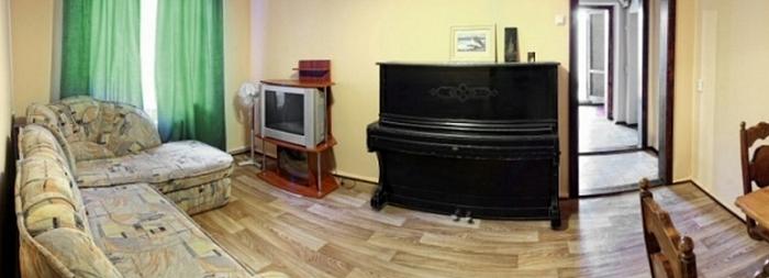 2-комнатная квартира посуточно в Севастополе. Ленинский район, ул. Мичурина, 9. Фото 1