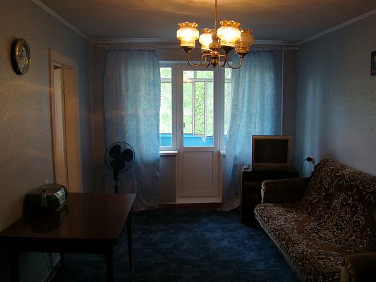 3-комнатная квартира посуточно в Кривом Роге. Саксаганский район, ул. Отто Брозовского. Фото 1