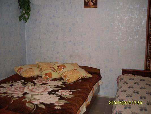 Дом  посуточно в Каролино-Бугазе. ул. Вокзальная, 32. Фото 1