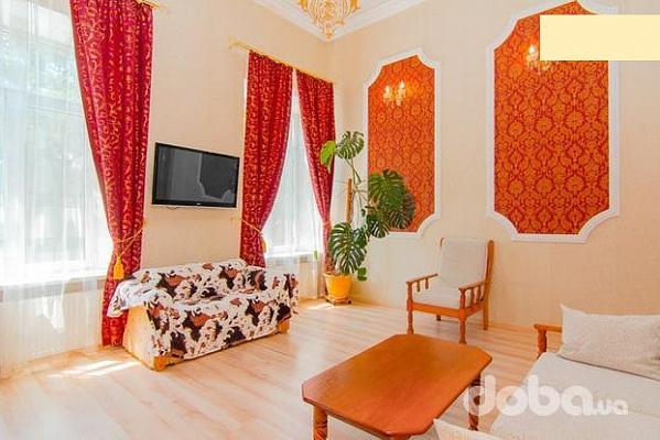 3-комнатная квартира посуточно в Одессе. Приморский район, ул. Троицкая, 12. Фото 1