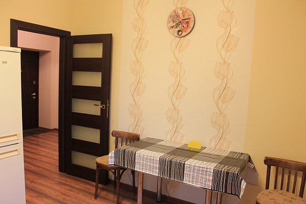 1-комнатная квартира посуточно в Южном. ул. Ленина, 4. Фото 1