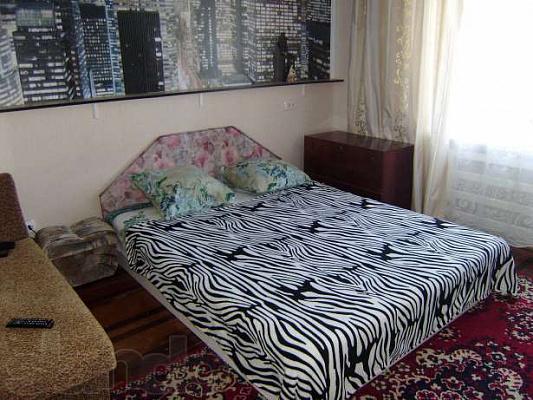 1-комнатная квартира посуточно в Бердянске. Карла Маркса, 51. Фото 1