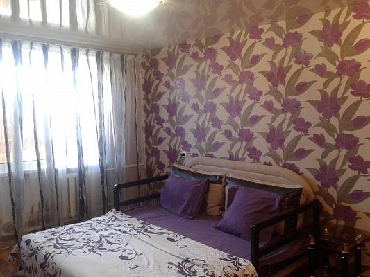1-комнатная квартира посуточно в Днепрорудном. ул. Героев труда (Комсомольская), 9. Фото 1