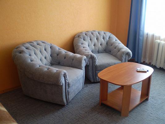 1-комнатная квартира посуточно в Бердянске. Бердянск, Бердянск, Горького, 43, 43. Фото 1