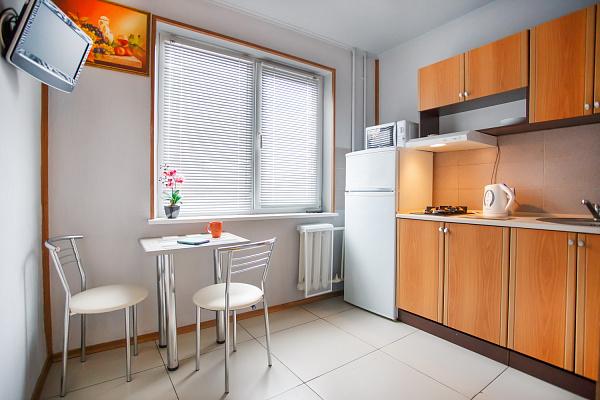 1-комнатная квартира посуточно в Харькове. Дзержинский район, ул. 23 Августа, 39а. Фото 1