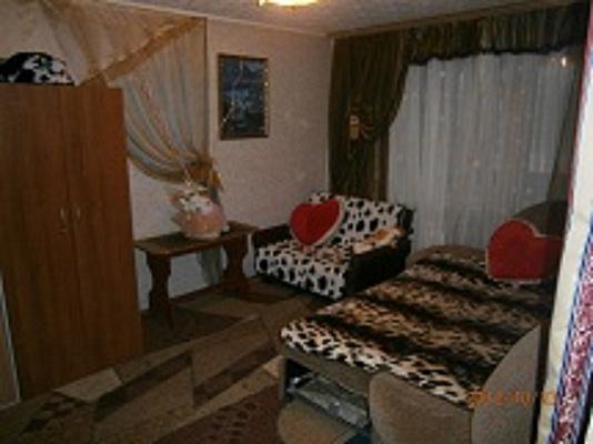 3-комнатная квартира посуточно в Южноукраинске. ул. Дружбы народов, 36. Фото 1