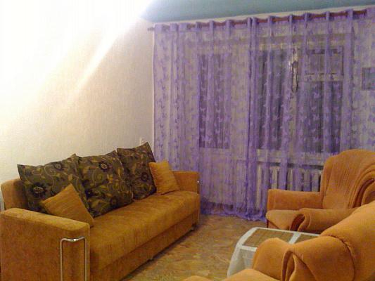 1-комнатная квартира посуточно в Днепропетровске. Индустриальный район, ул. С.Ковалевской, 67. Фото 1