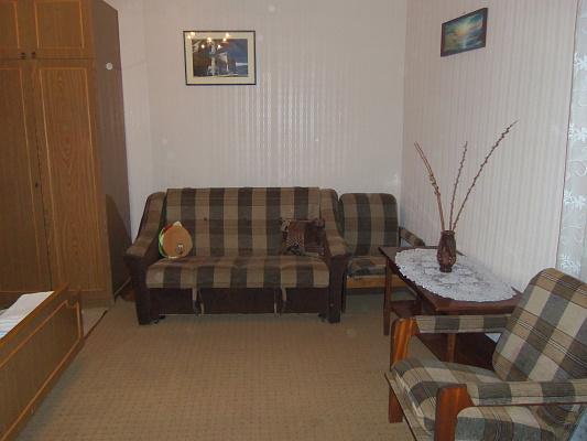 1-комнатная квартира посуточно в Евпатории. Володарского, 20. Фото 1