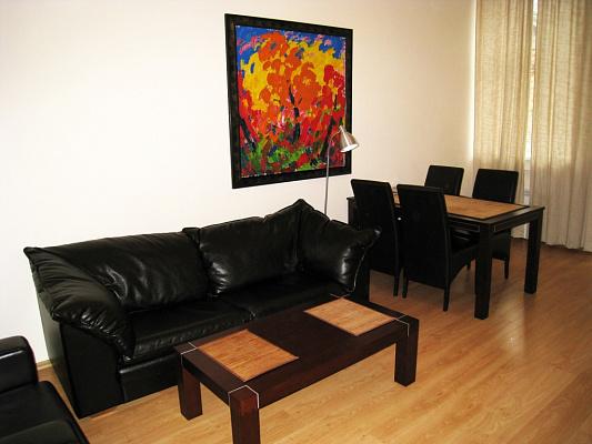 2-комнатная квартира посуточно в Киеве. Печерский район, Лютеранская, 12. Фото 1