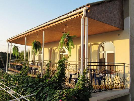 Мини-отель  посуточно в Черноморском. ул. Уточняйте, 10. Фото 1