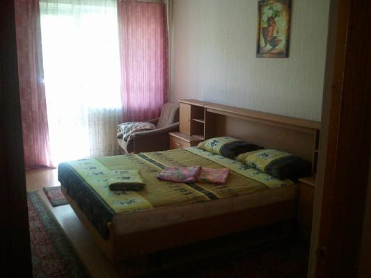 2-комнатная квартира посуточно в Киеве. Голосеевский район, Пр.Науки, 22. Фото 1