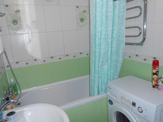 3-комнатная квартира посуточно в Евпатории. ул. Фрунзе, 53. Фото 1