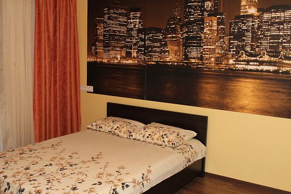 1-комнатная квартира посуточно в Киеве. Оболонский район, ул. Иорданская, 8. Фото 1