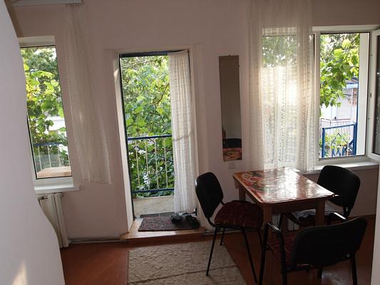 1-комнатная квартира посуточно в Евпатории. Пушкина, 41. Фото 1