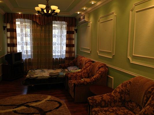 1-комнатная квартира посуточно в Белгороде-Днестровском. ул. Михайловская (Ленина), 54. Фото 1