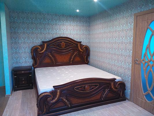 2-комнатная квартира посуточно в Житомире. ул. Покровская, 5. Фото 1