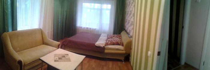 1-комнатная квартира посуточно в Чернигове. Деснянский район, пр-т Мира, 55. Фото 1