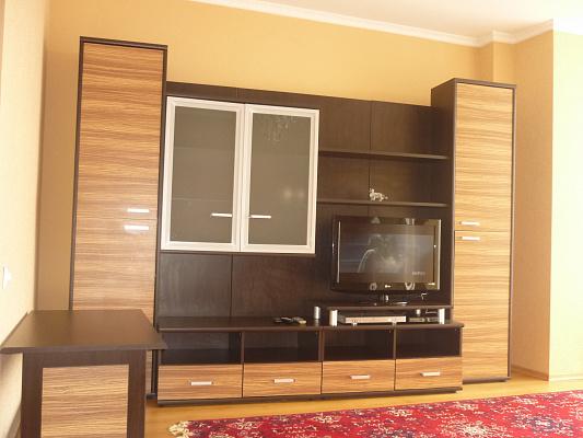 2-комнатная квартира посуточно в Луцке. ул. Максима Кривоноса, 23. Фото 1