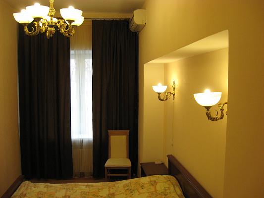 1-комнатная квартира посуточно в Одессе. Приморский район, пр-т Александровский, 4. Фото 1