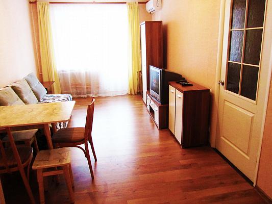 2-комнатная квартира посуточно в Днепре. ул. Баумана, 9. Фото 1