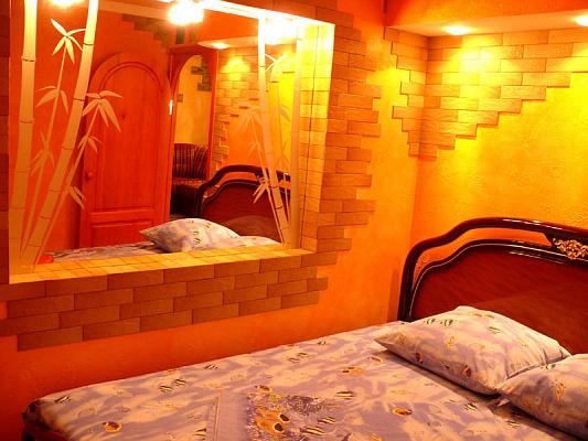 2-комнатная квартира посуточно в Херсоне. Суворовский район, ул. 295 Стрелковой Дивизии, 25. Фото 1