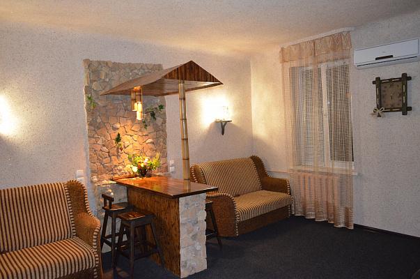 1-комнатная квартира посуточно в Святогорске. ул. И.Мазепы (Островского), 8. Фото 1