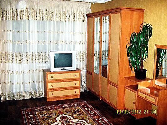 1-комнатная квартира посуточно в Сумах. Заречный район, ул. Воскресенская, 16. Фото 1