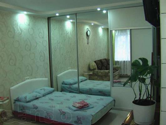 1-комнатная квартира посуточно в Ильичёвске. ул. Парковая, 8. Фото 1