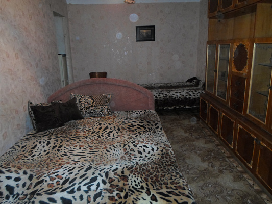 2-комнатная квартира посуточно в Херсоне. Суворовский район, пл. Ганнибала, 3. Фото 1
