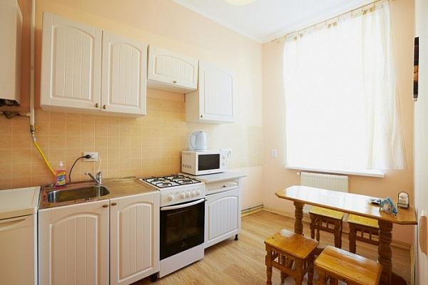 1-комнатная квартира посуточно в Луцке. пр-т Воли, 6. Фото 1