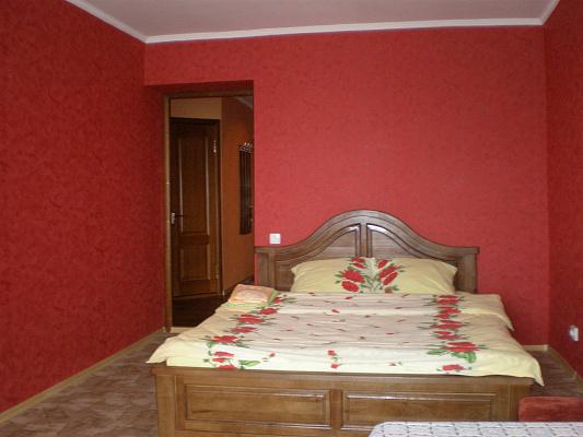 2-комнатная квартира посуточно в Сумах. Заречный район, ул.Харьковская. Фото 1