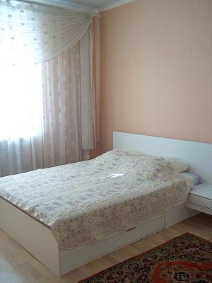 2-комнатная квартира посуточно в Херсоне. Суворовский район, ул. Воронцовская, 4. Фото 1