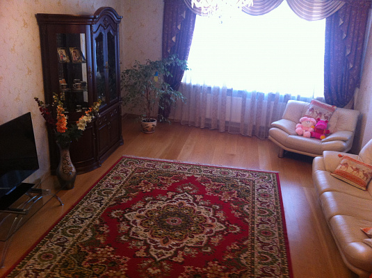 3-комнатная квартира посуточно в Трускавце. ул. Владимира Ивасюка, 10. Фото 1