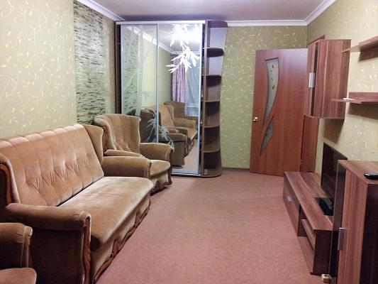 1-комнатная квартира посуточно в Керчи. ь,  Айвазовского,, 12, 12, 12. Фото 1