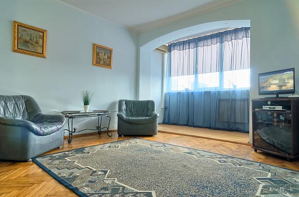 1-комнатная квартира посуточно в Киеве. Голосеевский район, ул. Большая Васильковская, 80. Фото 1