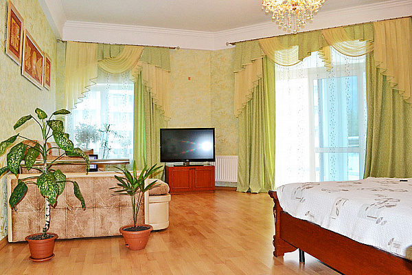 """2-комнатная квартира посуточно в Гурзуфе. ул. Ялтинская, 16""""Б"""". Фото 1"""