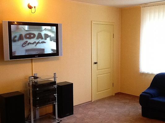 3-комнатная квартира посуточно в Харькове. Краснозаводской район, вул. Малом'ясницька,. Фото 1