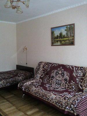 1-комнатная квартира посуточно в Алуште. ул. Ленина, 39. Фото 1
