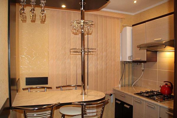 1-комнатная квартира посуточно в Феодосии. ул. Советская, 20. Фото 1