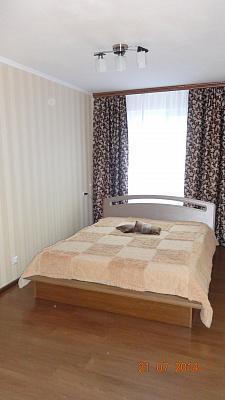 2-комнатная квартира посуточно в Белой Церкви. ул. Олеся Гончара, 12. Фото 1