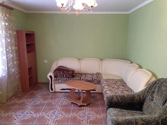 2-комнатная квартира посуточно в Белгороде-Днестровском. ул. Солнечная, 9а. Фото 1