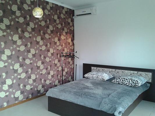 1-комнатная квартира посуточно в Симферополе. Киевский район, ул. Гурзуфская, 10. Фото 1