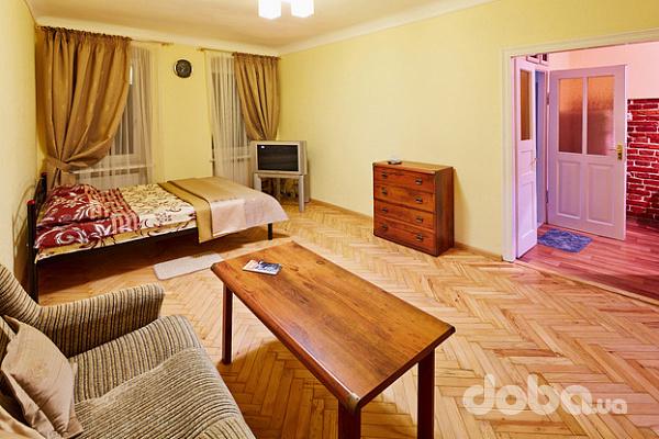 2-комнатная квартира посуточно в Львове. Галицкий район, Краковская, 17. Фото 1