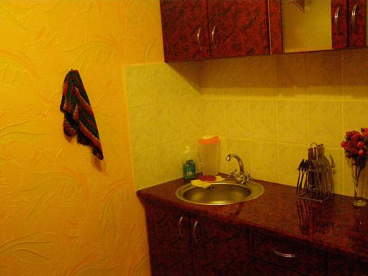 2-комнатная квартира посуточно в Южноукраинске. Наберажная энергетиков, 43. Фото 1
