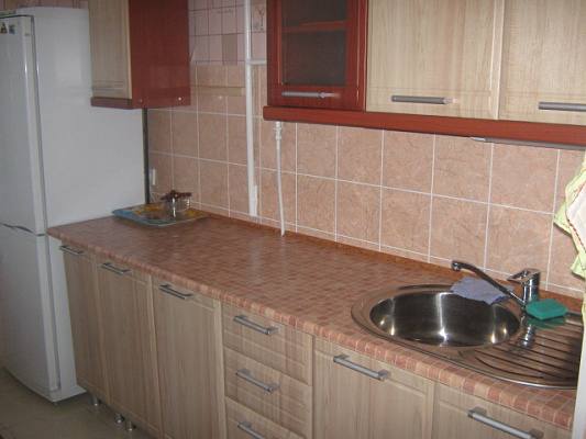 3-комнатная квартира посуточно в Симферополе. Киевский район, ул. Куйбышева, 13. Фото 1
