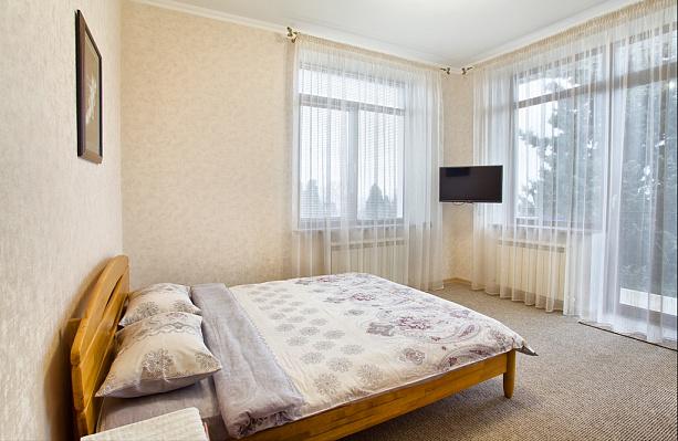 3-комнатная квартира посуточно в Ялте. Центр Ялты район, ул. Нагорная, 5. Фото 1