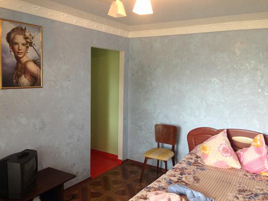 2-комнатная квартира посуточно в Умани. ул. Комарова, 21А. Фото 1